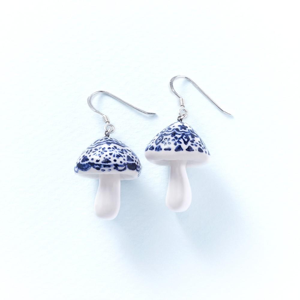花草菇-手工白瓷純銀耳環